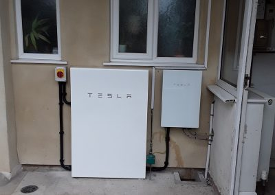 Tesla Powerwall 2 and Gateway
